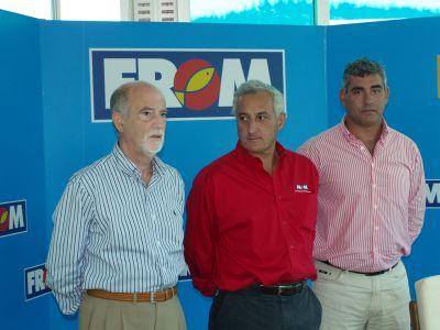 Modesto Valledor, a la derecha, junto al presidente de la RFEP