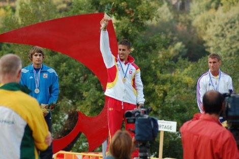 Manuel Garrido en lo alto del podio