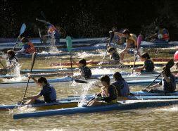 El Río Ebro se inundó de piraguas