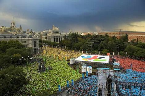 Cibeles-llena-apoyar-candidatura-Madrid-2016-Dia-Corazonada-lluvia-impidio-apoyo-masivo-capital-Espana-sea-elegida-proximo-viernes-ciudad-olimpica
