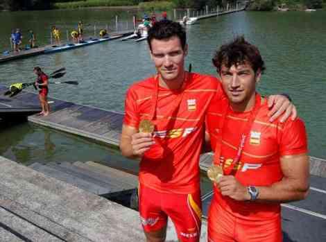 Craviotto y Perucho con su medalla olímpica
